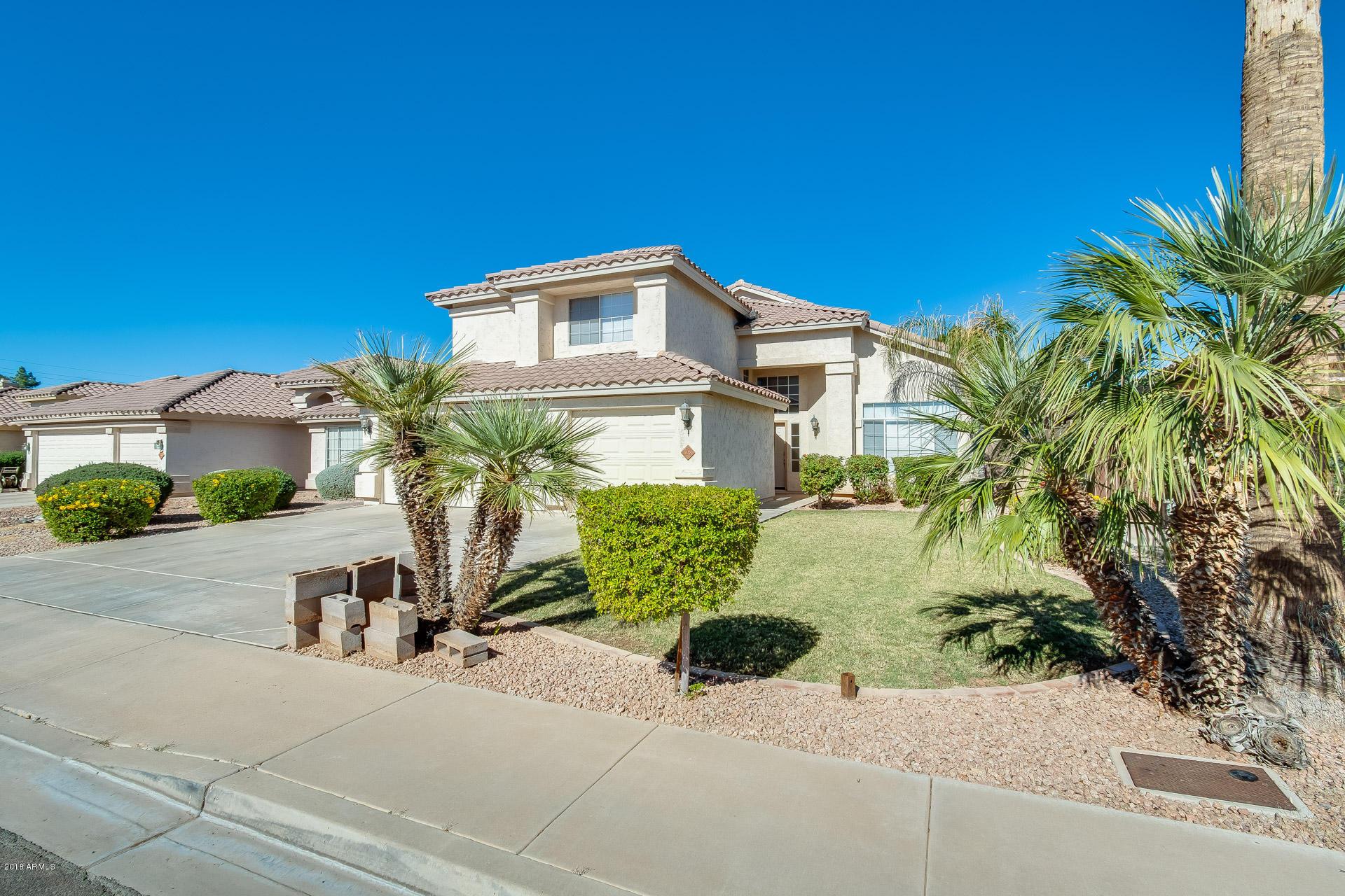 Photo of 728 W DOUGLAS Avenue, Gilbert, AZ 85233