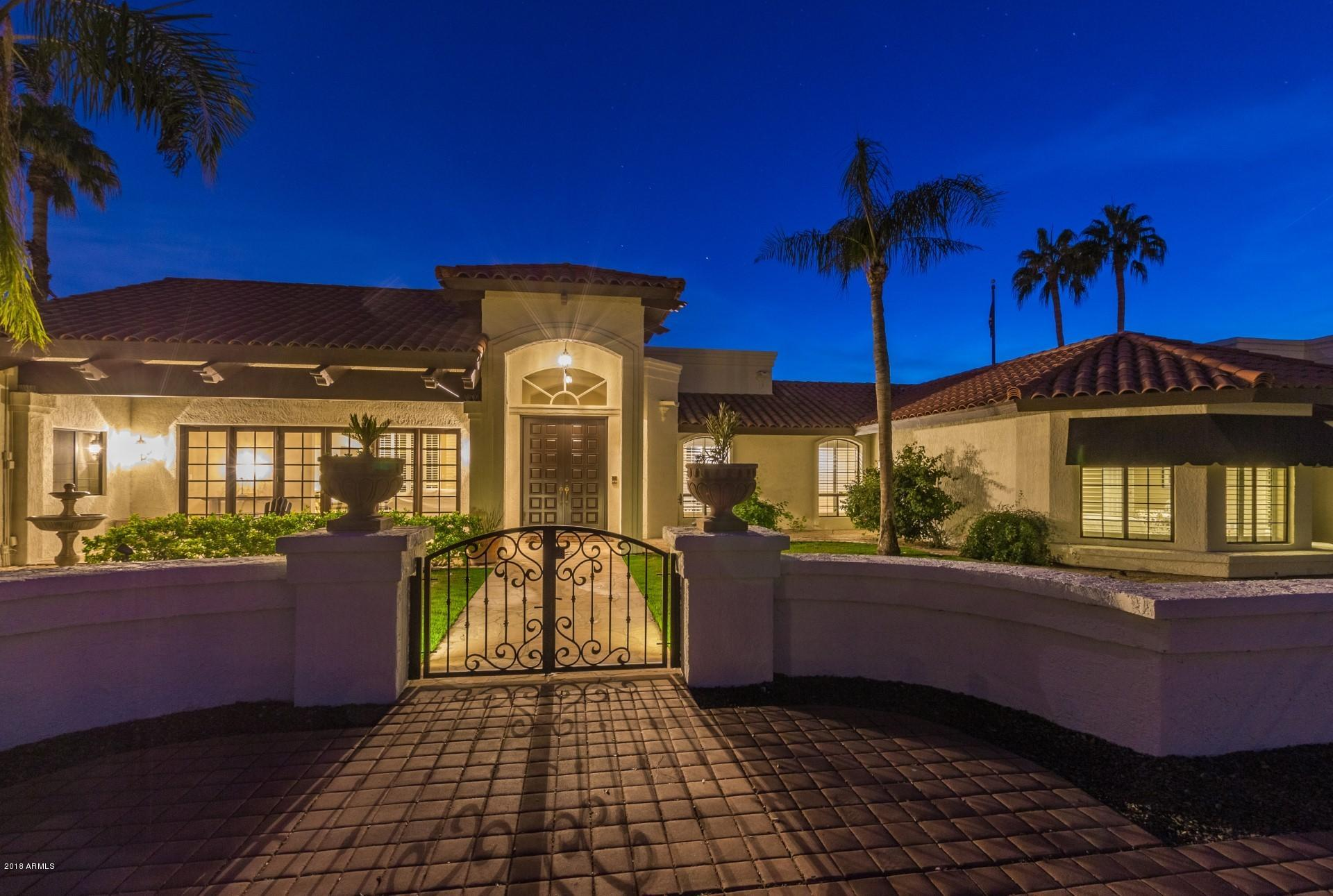 Photo of 8648 N 64TH Place, Paradise Valley, AZ 85253
