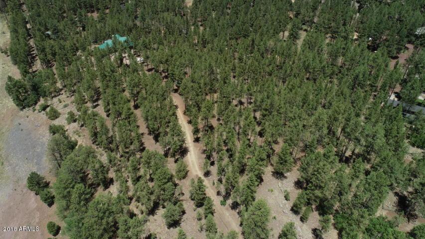 Photo of 395 W Lazy Pine Lane, Munds Park, AZ 86017