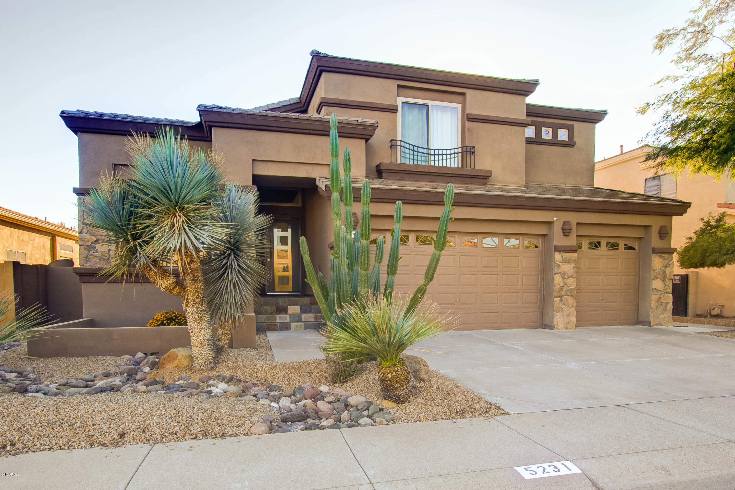 Photo of 5231 E HERRERA Drive, Phoenix, AZ 85054