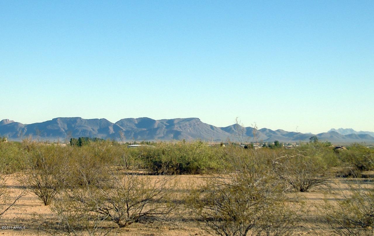 Photo of 51200 W Pete Road, Aguila, AZ 85320