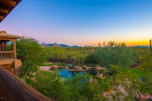 8525 E Dixileta Drive Scottsdale, AZ 85266