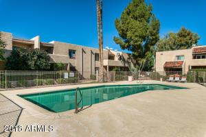 932 sq. ft 2 bedrooms 2 bathrooms  House ,Scottsdale