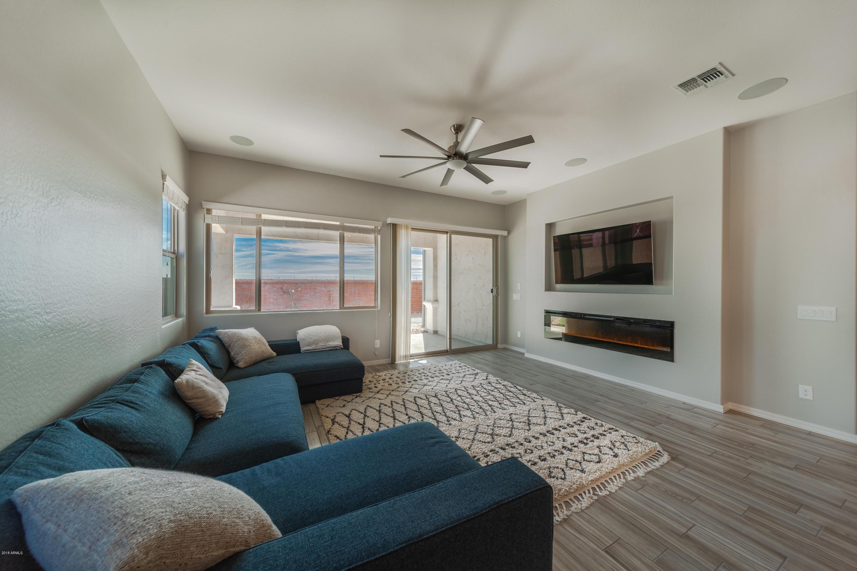 Photo of 2941 S JEFFRY Street, Gilbert, AZ 85295