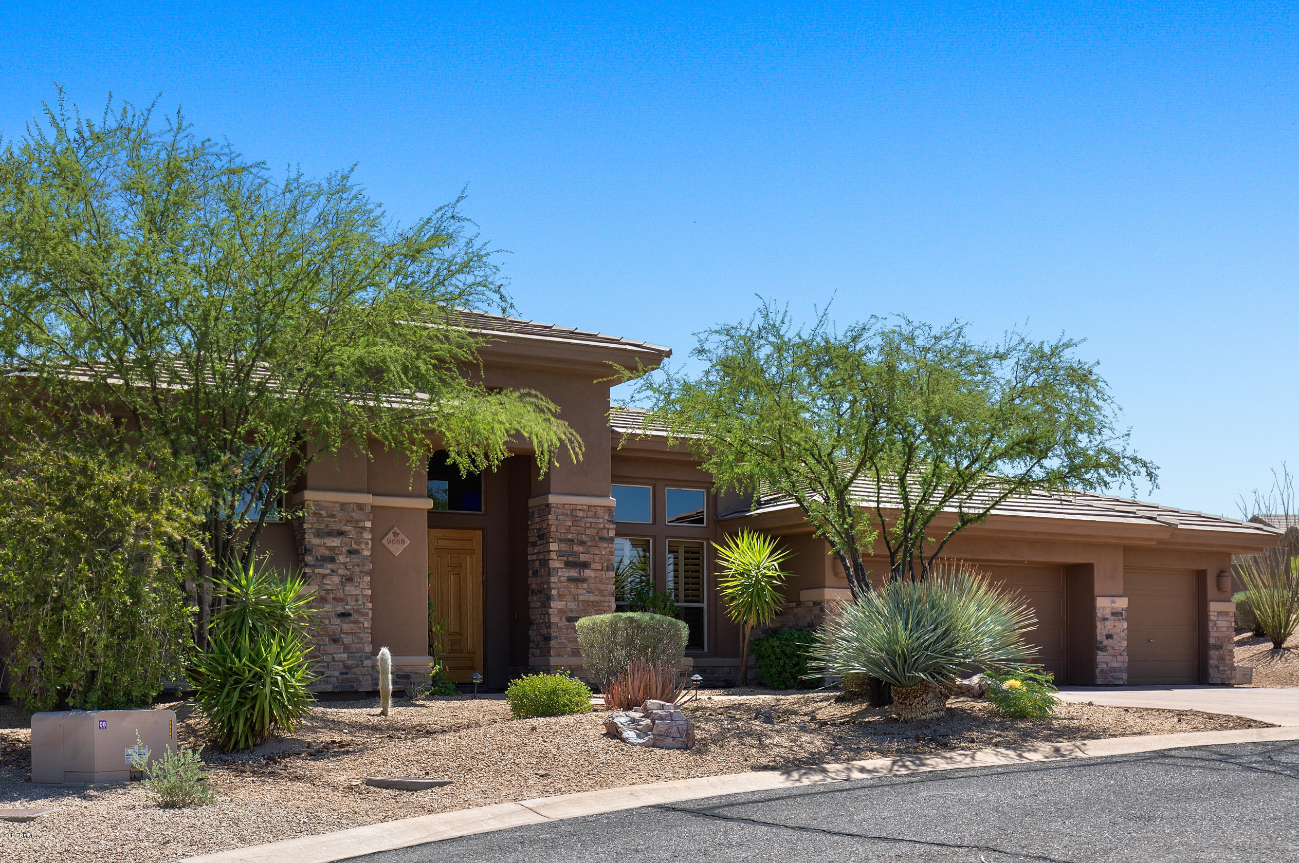 Photo of 9668 E ROADRUNNER Drive, Scottsdale, AZ 85262