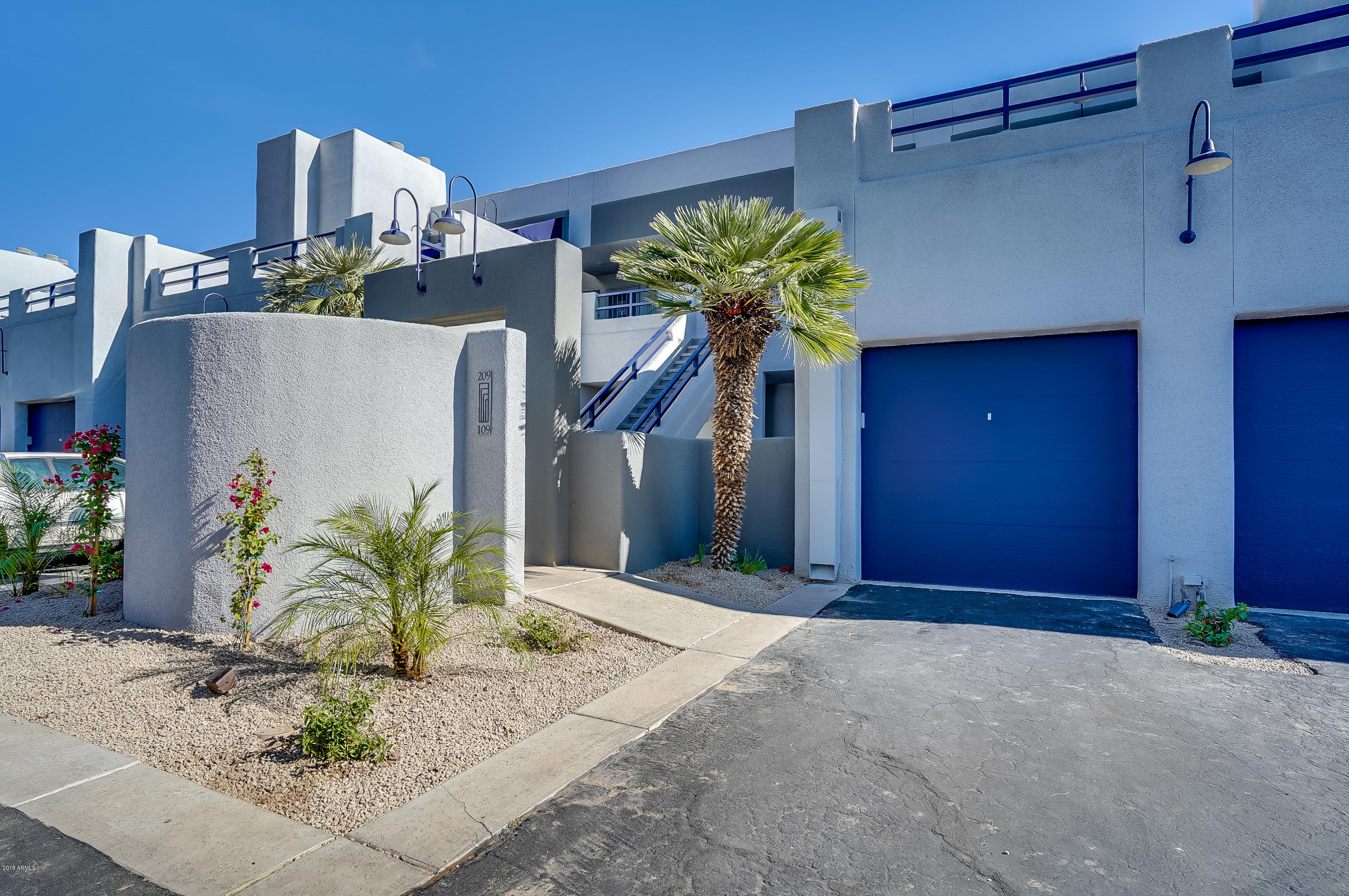 Photo of 902 W GLENDALE Avenue #109, Phoenix, AZ 85021
