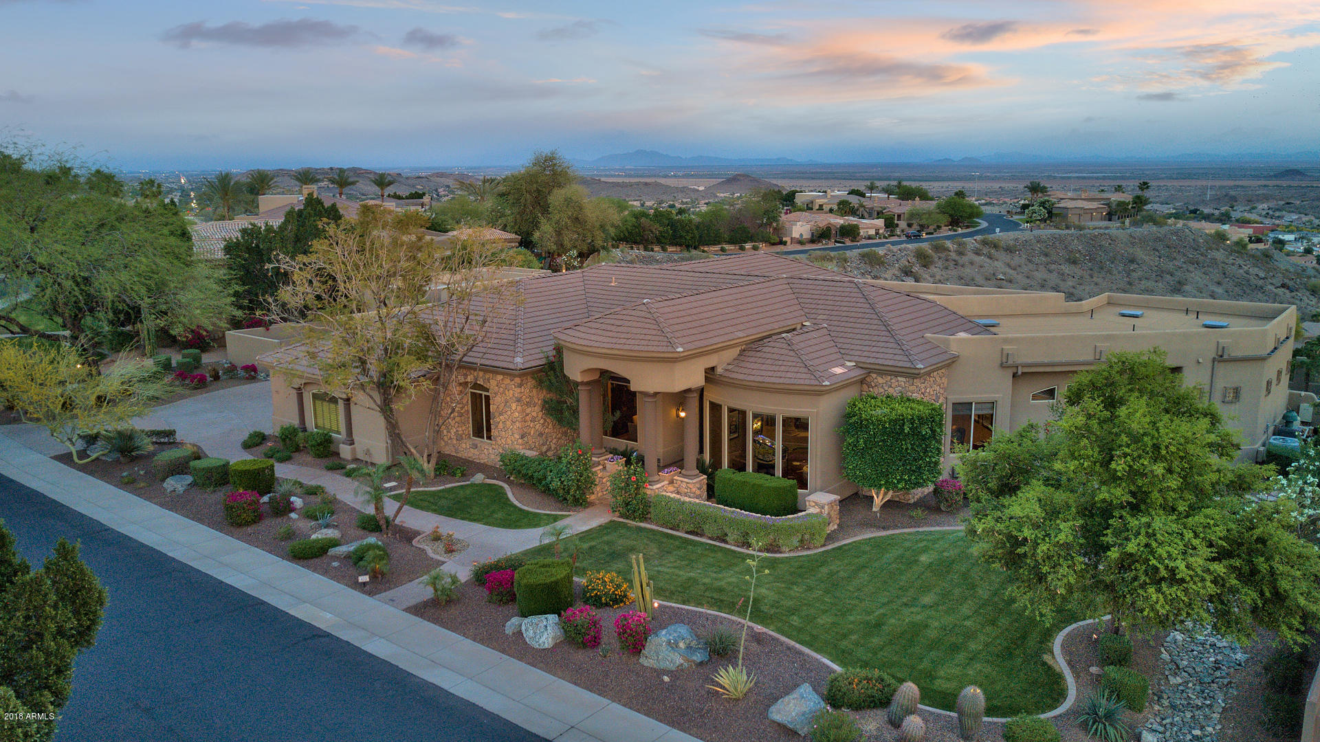 433 E WINDMERE Drive, Phoenix AZ 85048