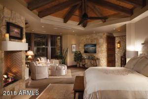 Master Suite Sitting Area