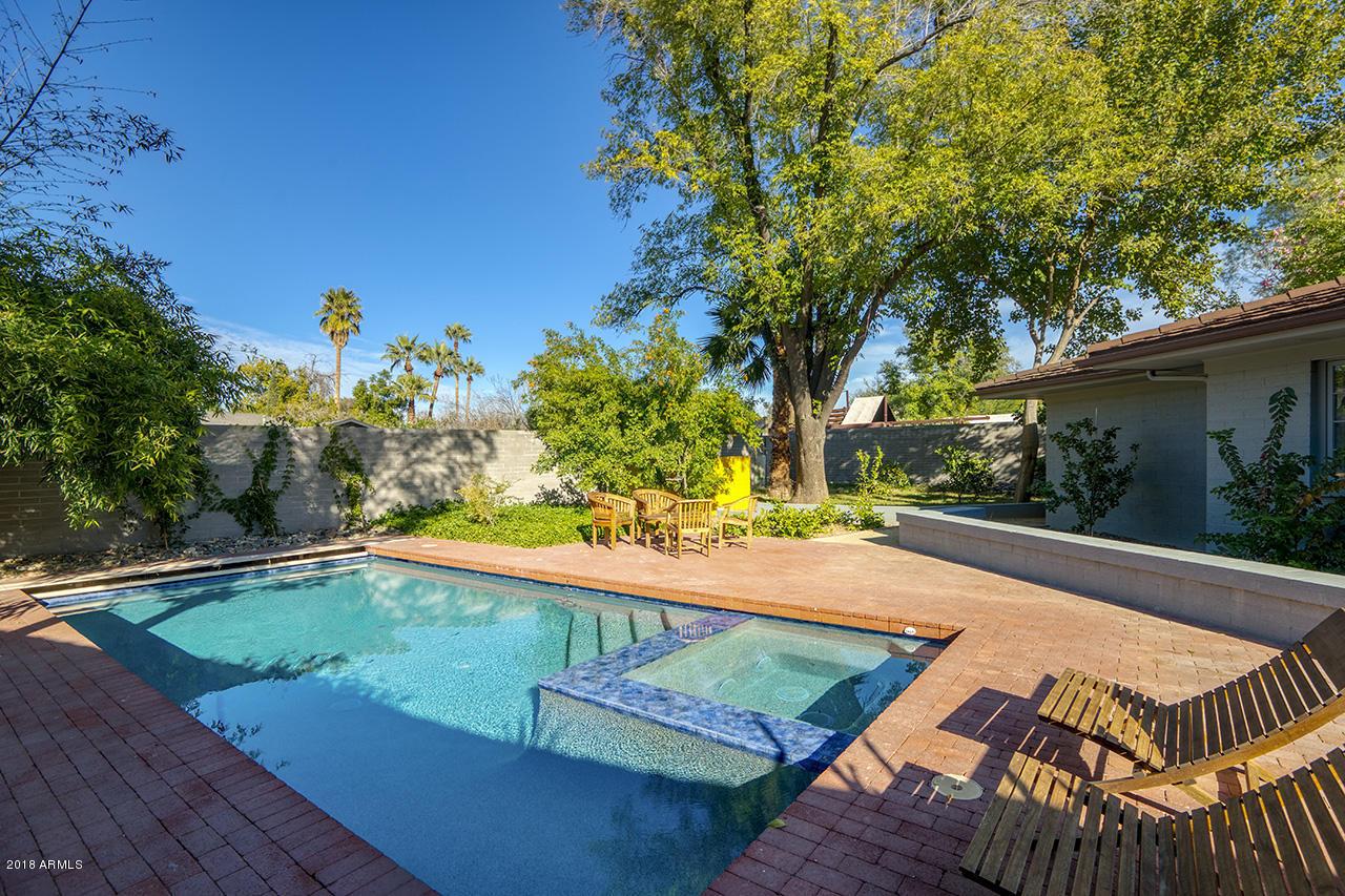 MLS 5851555 2921 N Manor Drive, Phoenix, AZ 85014 Phoenix AZ Three Bedroom