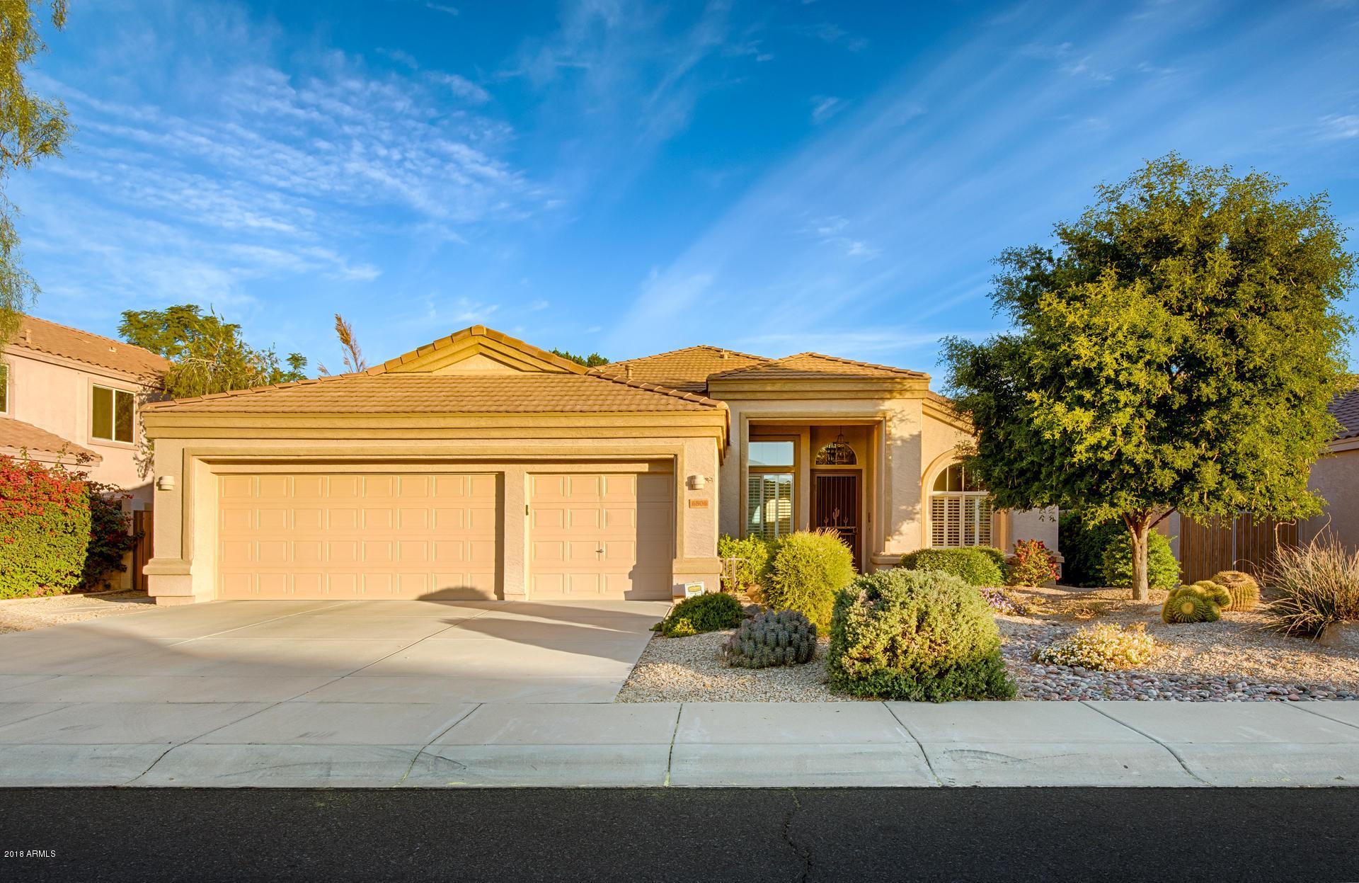 Photo of 6806 W SKYLARK Drive, Glendale, AZ 85308