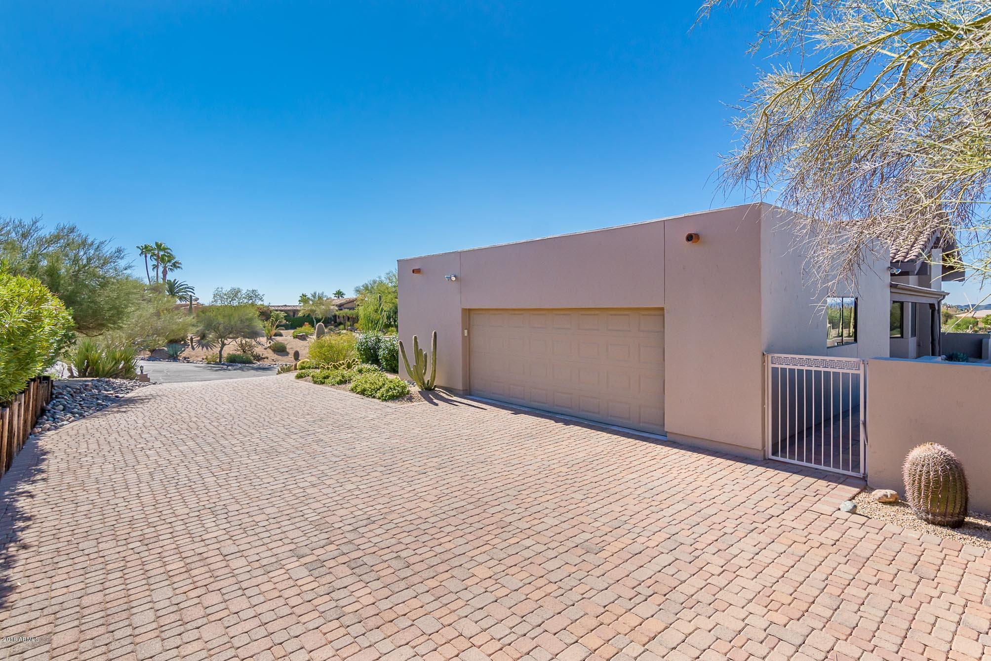 MLS 5851872 8602 E DOG LEG Drive, Carefree, AZ Carefree AZ Private Pool