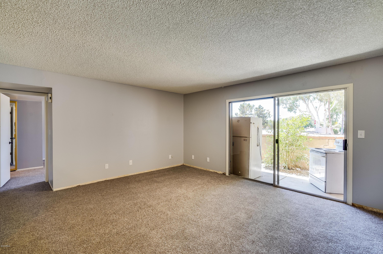 4608 W MARYLAND Avenue Unit 102 Photo 14
