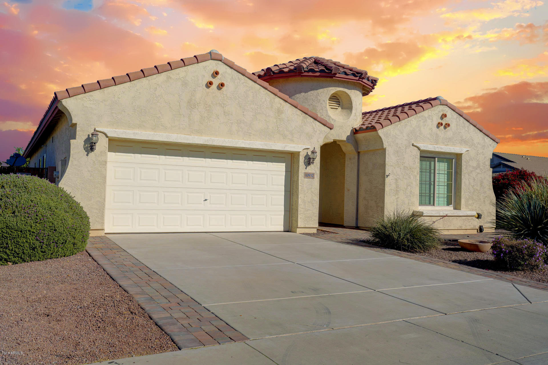 Photo of 10932 E SENTIERO Avenue, Mesa, AZ 85212