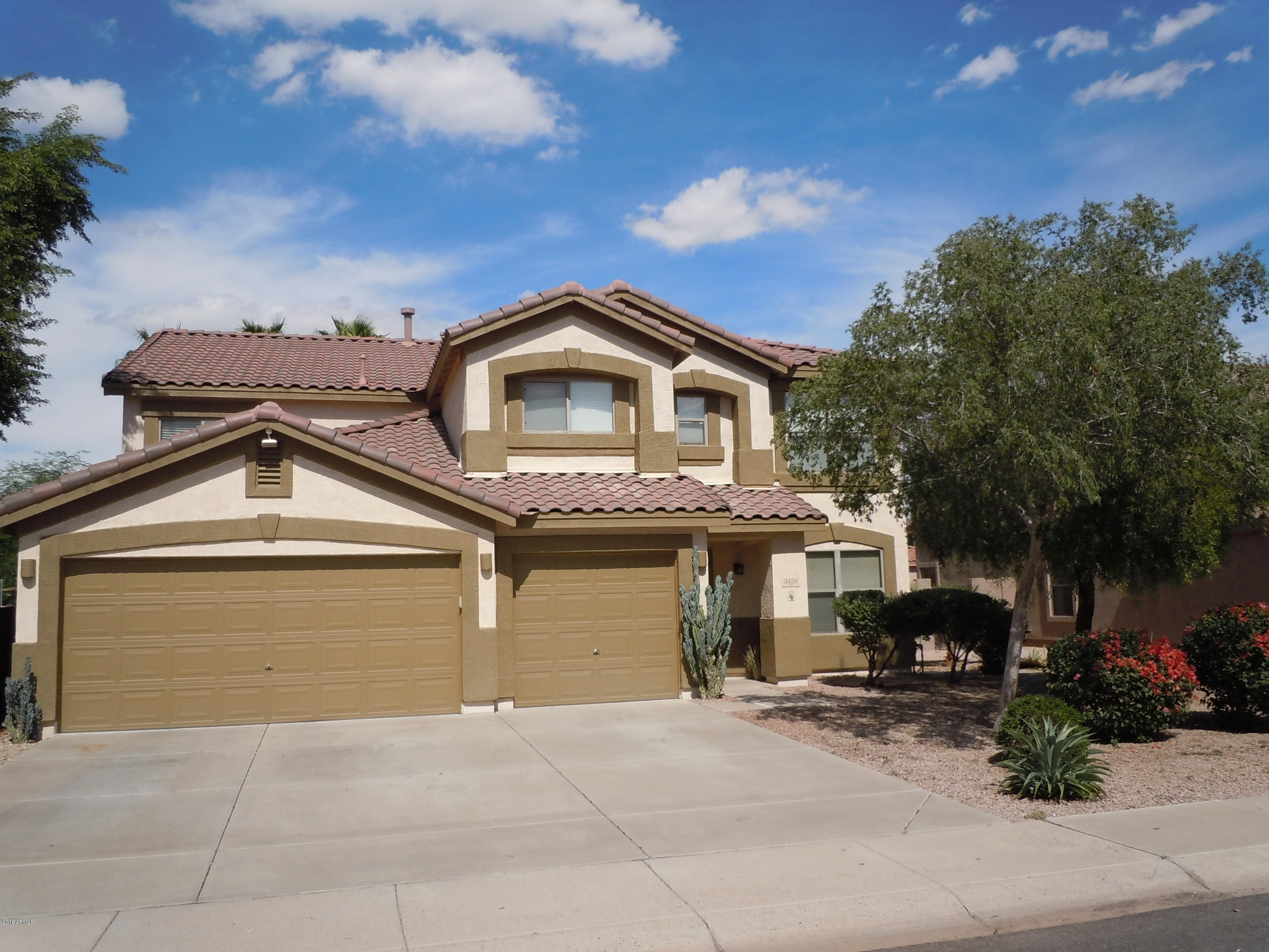 Photo of 3426 E LONGHORN Drive, Gilbert, AZ 85297