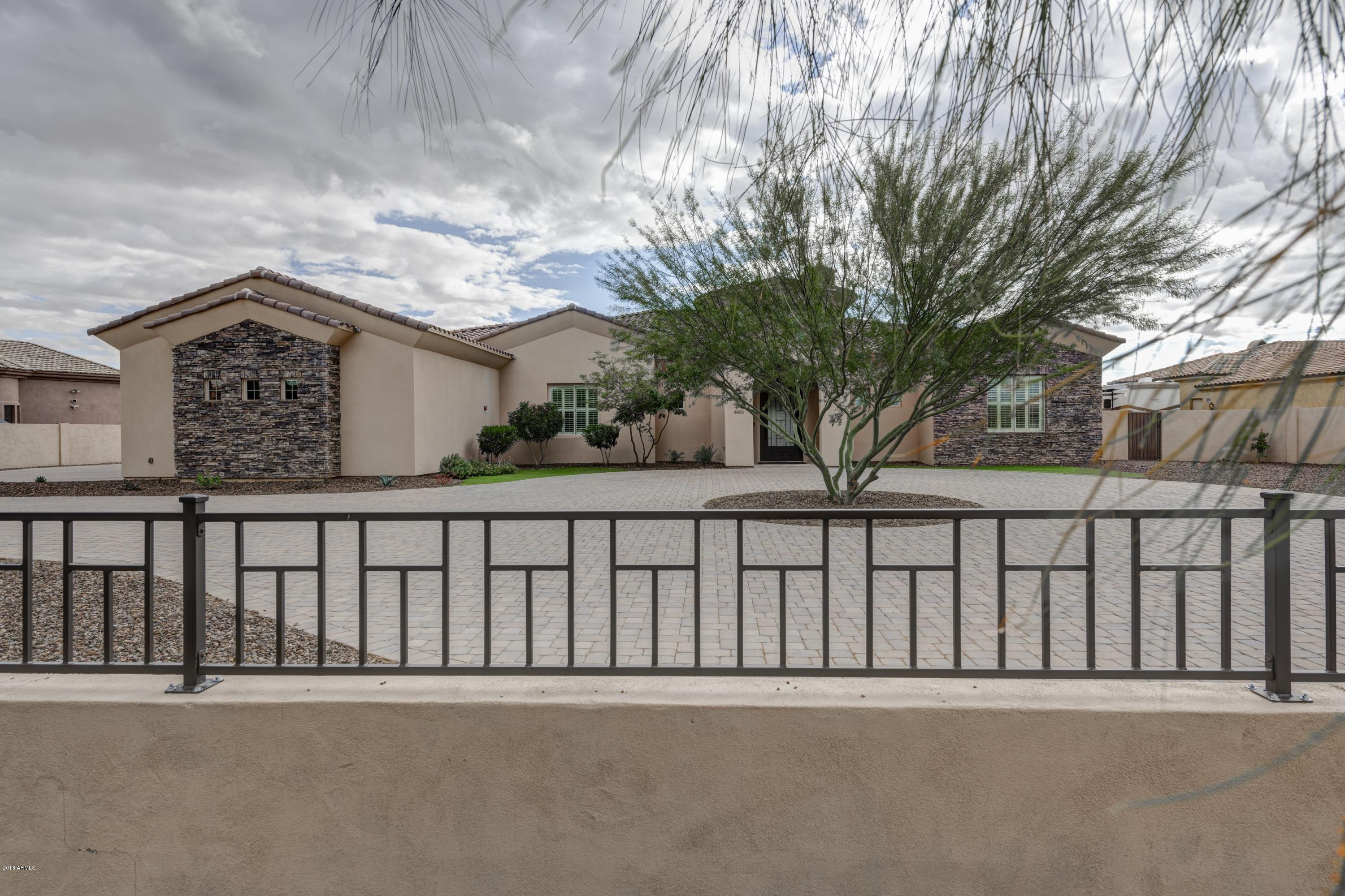 Photo of 4803 W CREEDANCE Boulevard, Glendale, AZ 85310