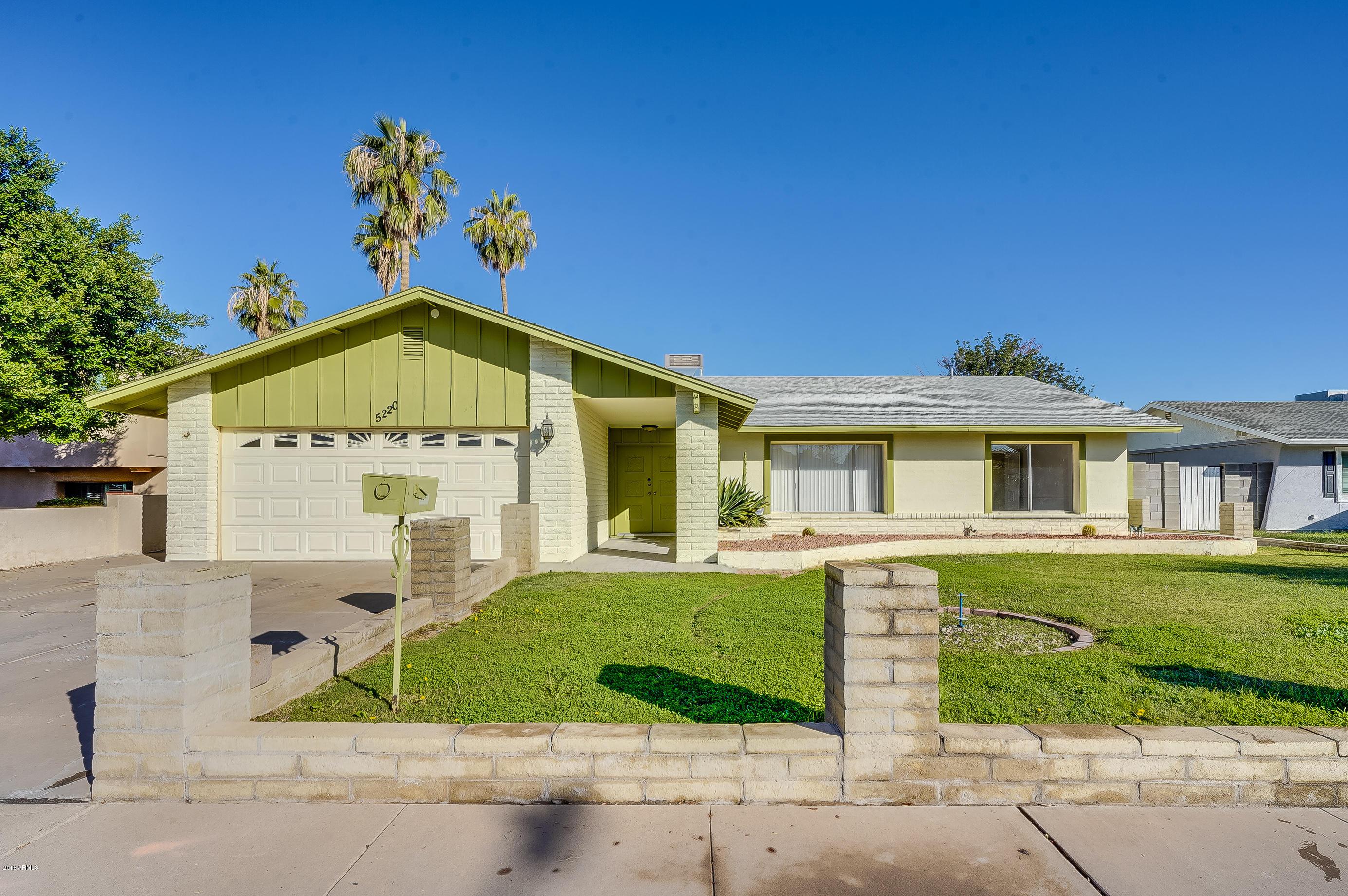 Photo of 5220 W PORT AU PRINCE Lane, Glendale, AZ 85306