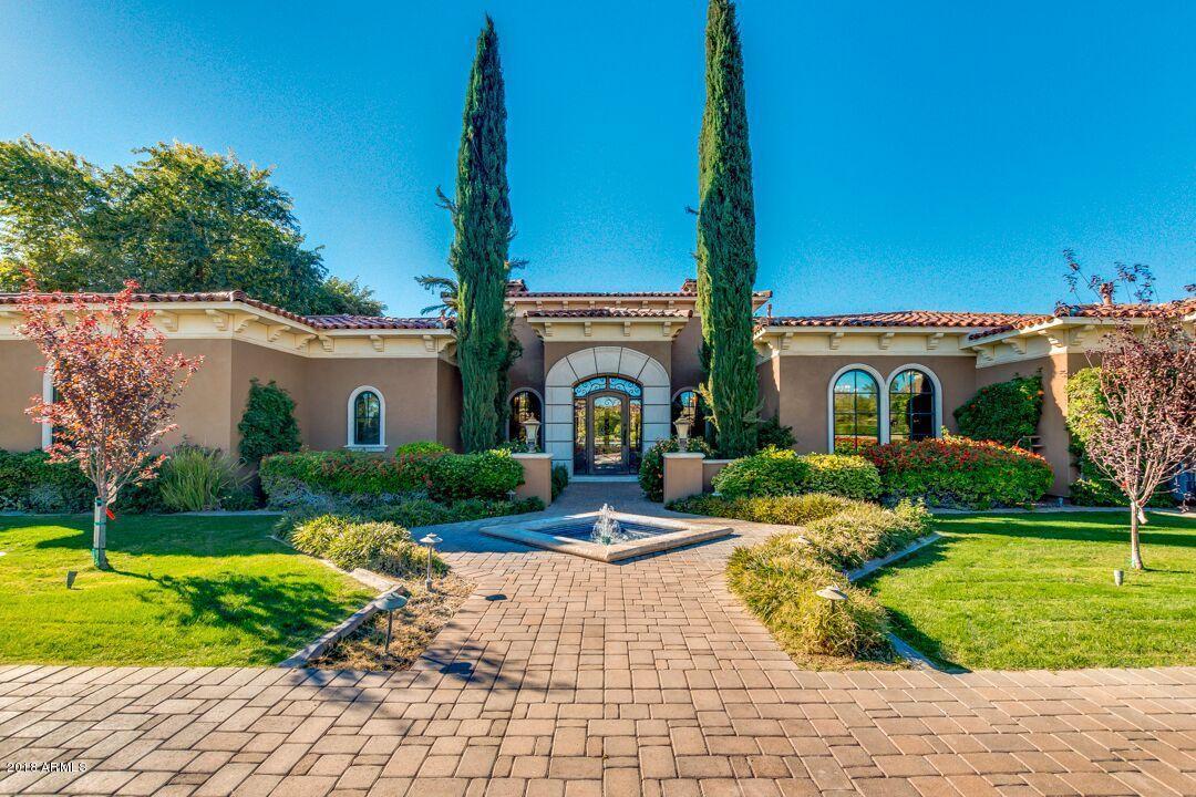 Photo of 6636 N LOST DUTCHMAN Drive, Paradise Valley, AZ 85253