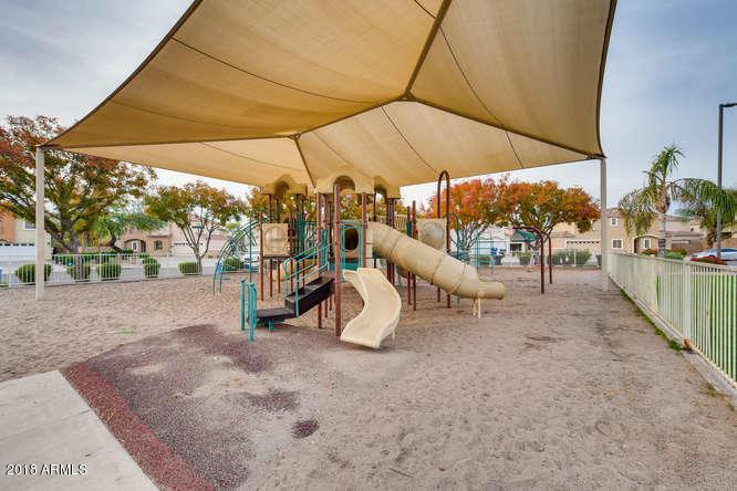 MLS 5854901 1247 S BOULDER Street Unit D, Gilbert, AZ 85296 Gilbert AZ Western Skies