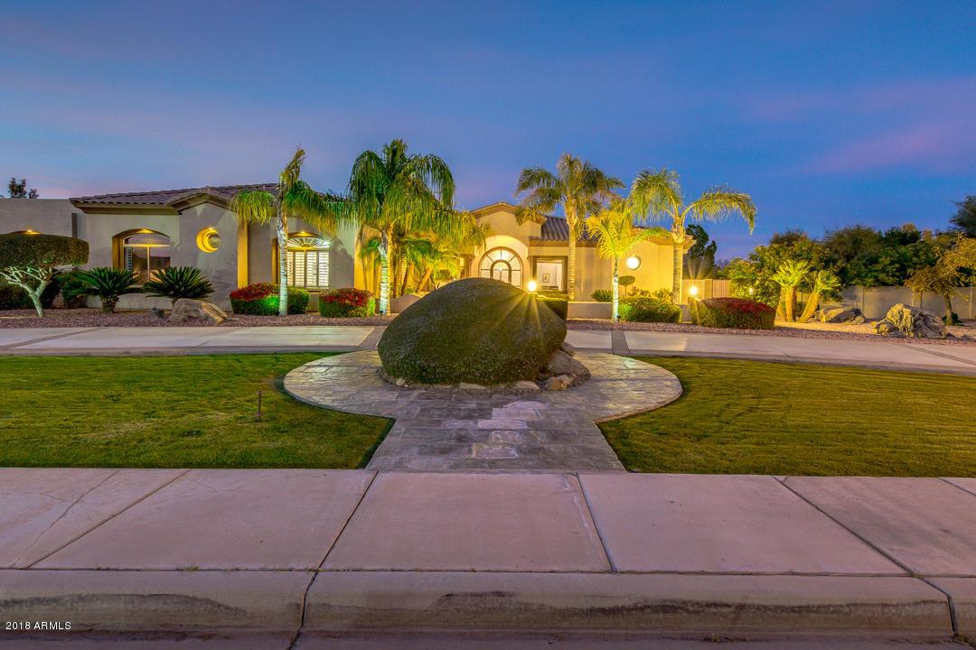 Photo of 2634 E RAWHIDE Street, Gilbert, AZ 85296