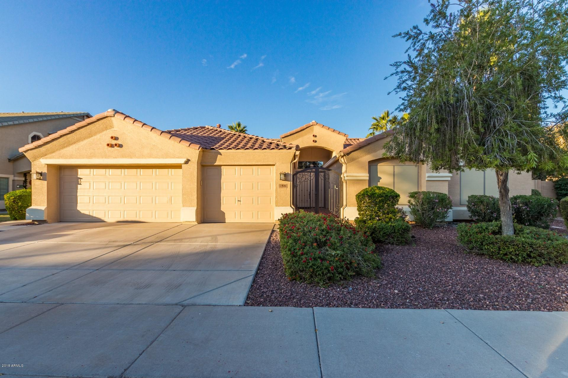 Photo of 786 E COCONINO Drive, Chandler, AZ 85249