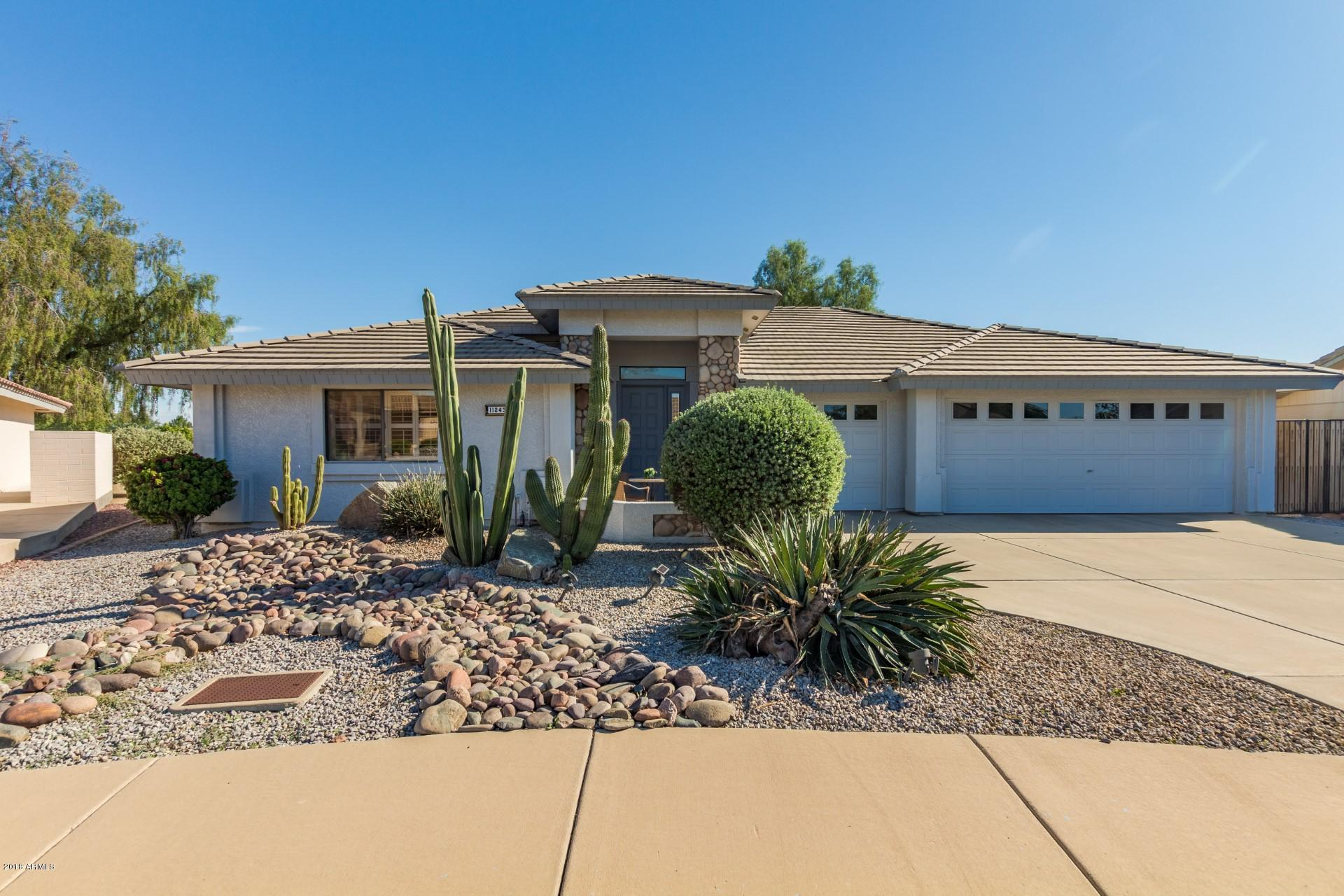 Photo of 11243 E LOMITA Circle, Mesa, AZ 85209