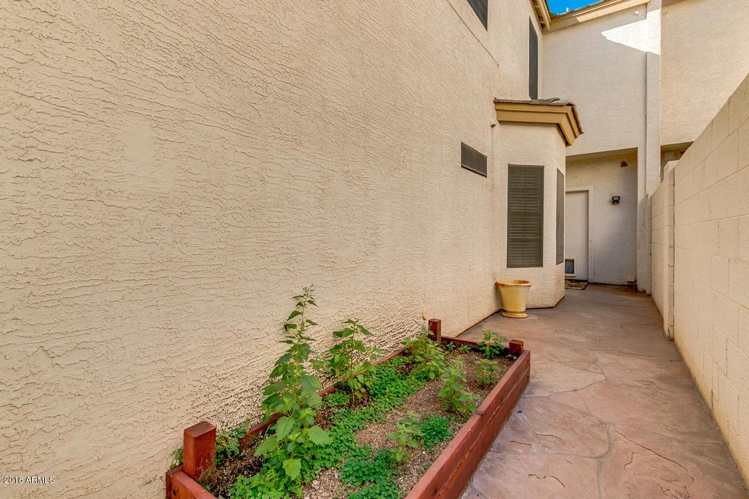 MLS 5857102 19937 N DENARO Drive, Glendale, AZ 85308 Glendale AZ Condo or Townhome