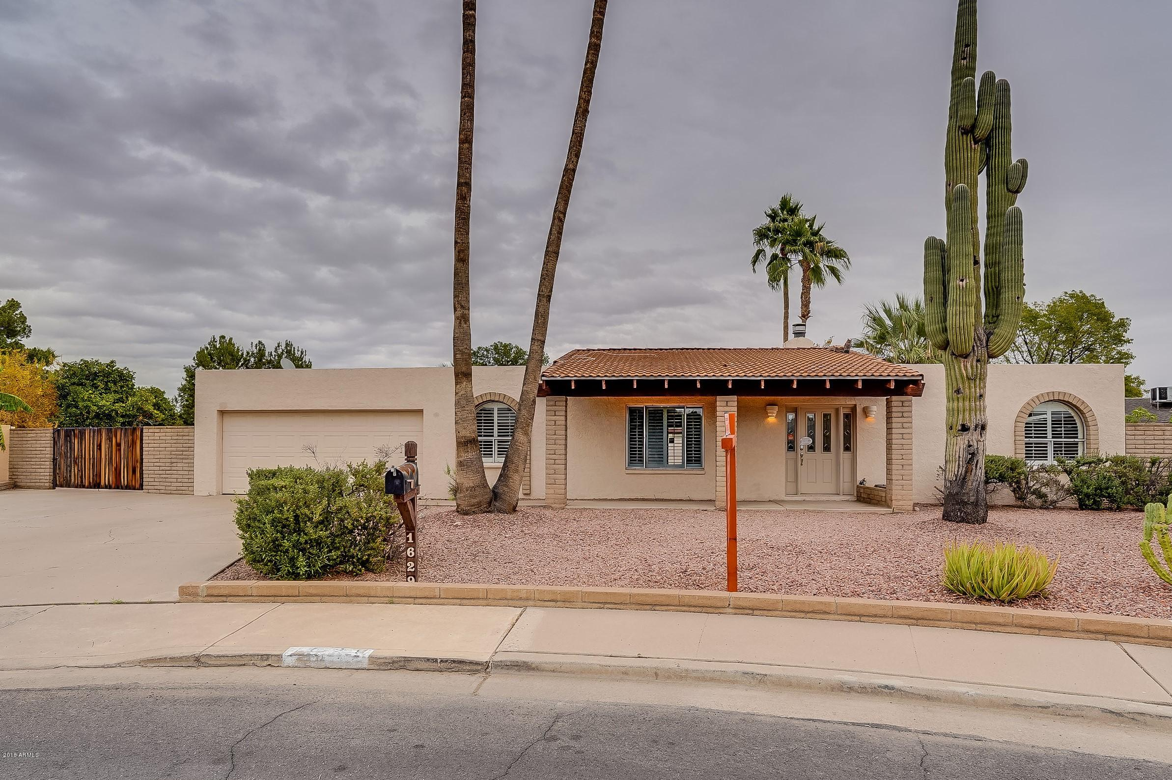 Photo of 1629 N WINDSOR Circle, Mesa, AZ 85213