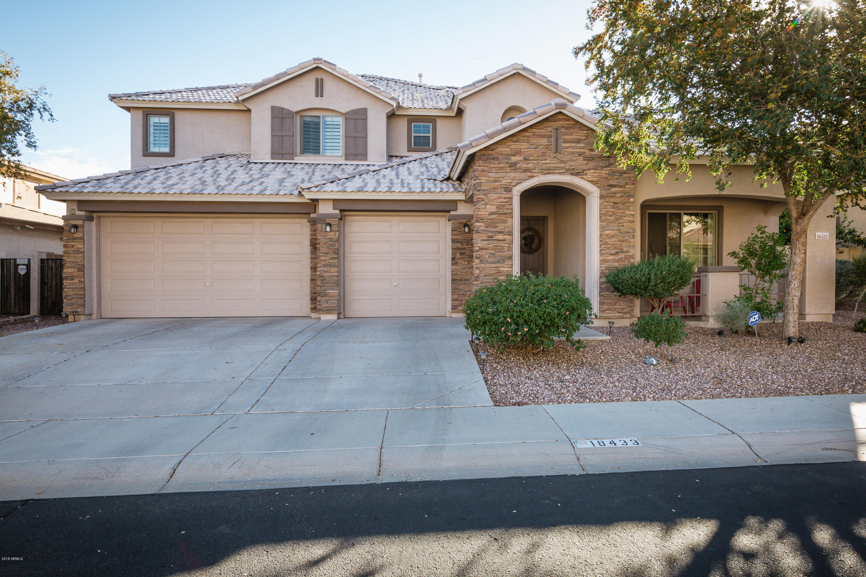 Photo of 18433 W IVY Lane, Surprise, AZ 85388