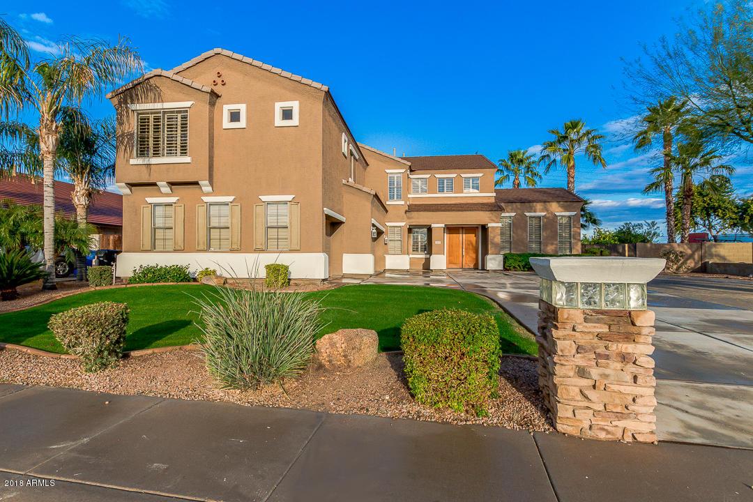 Photo of 3322 E FRUITVALE Avenue, Gilbert, AZ 85297