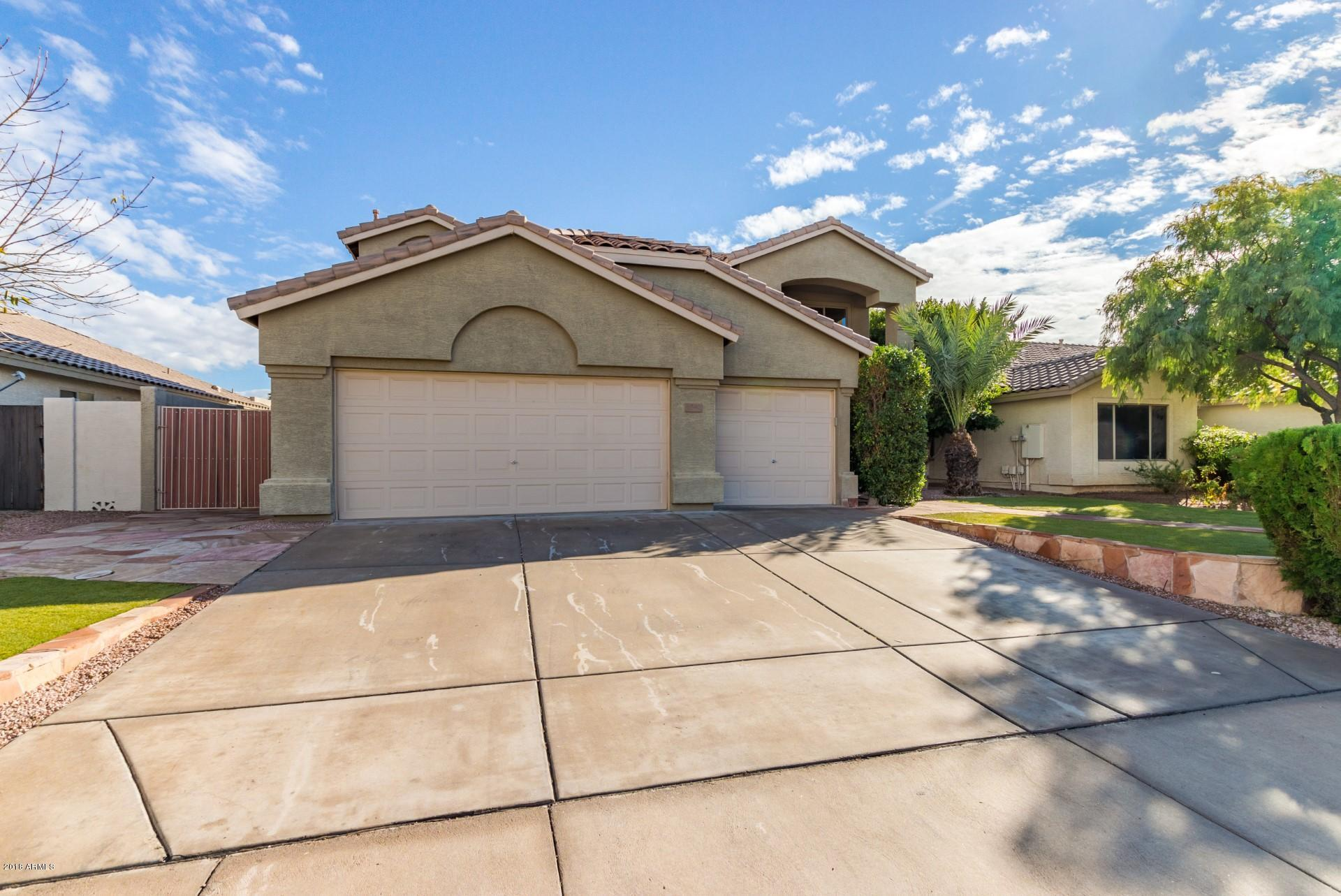 Photo of 2549 S WARREN Drive, Mesa, AZ 85209