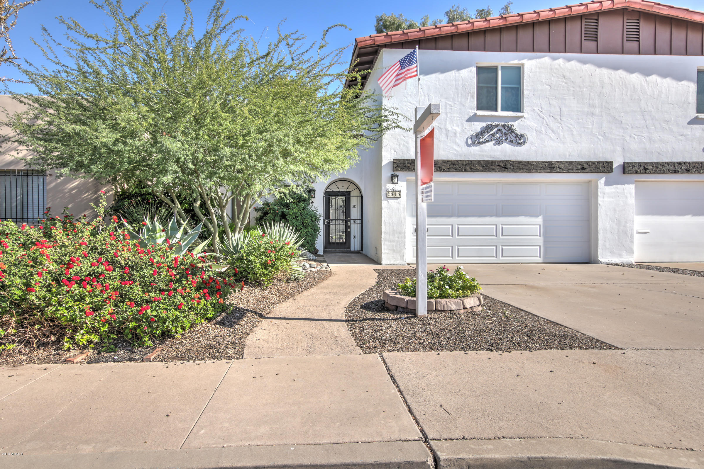 Photo of 2919 S COUNTRY CLUB Way, Tempe, AZ 85282