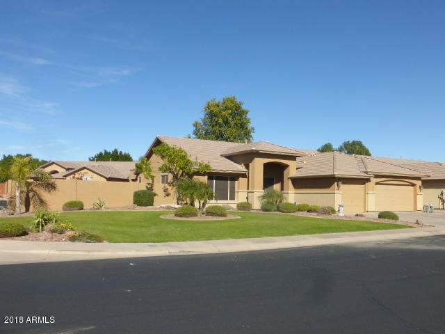 Photo of 7032 W GREENBRIAR Drive, Glendale, AZ 85308
