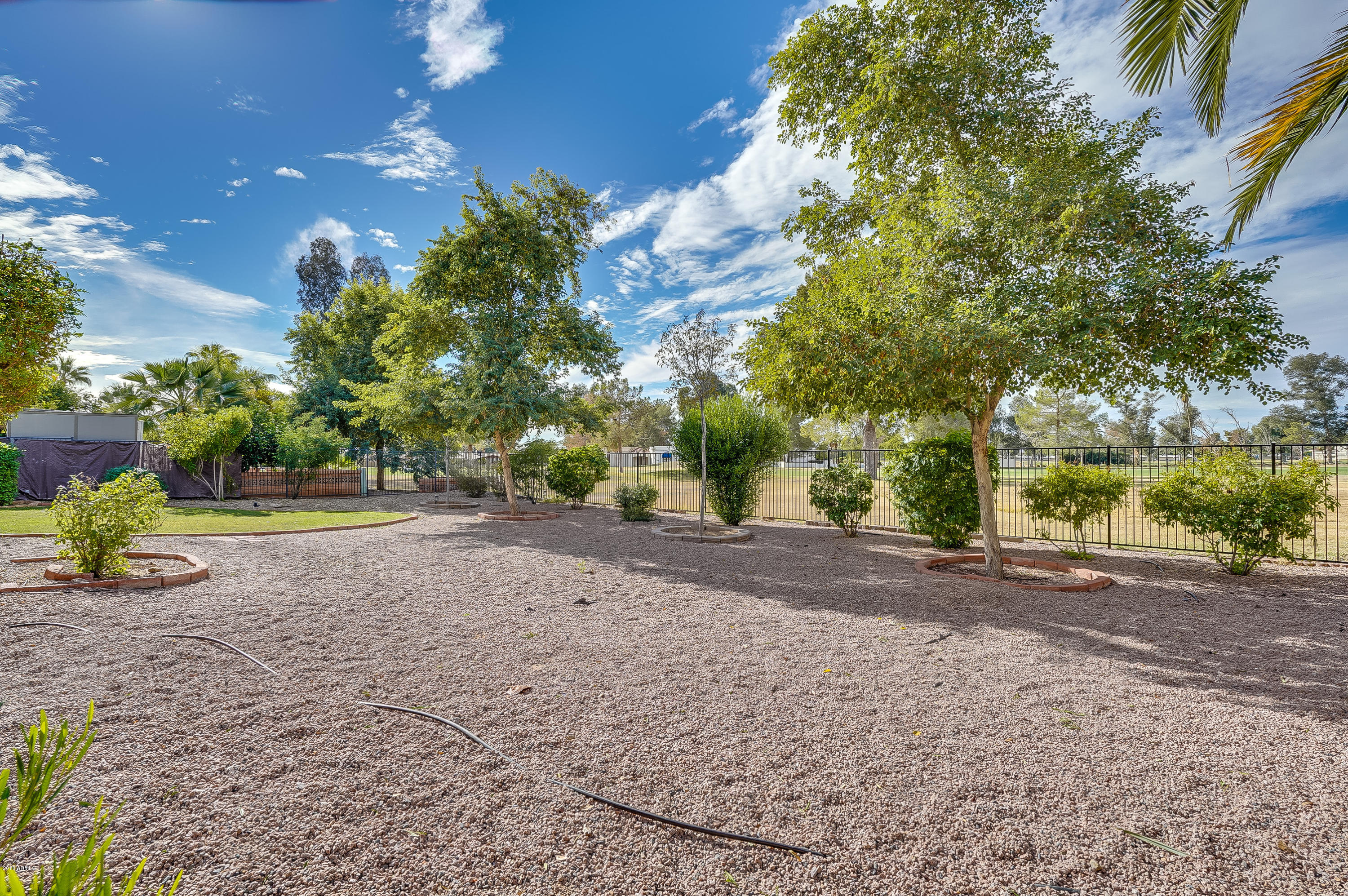 MLS 5858266 518 S ESSEX Lane, Mesa, AZ Mesa AZ Apache Country Club Golf