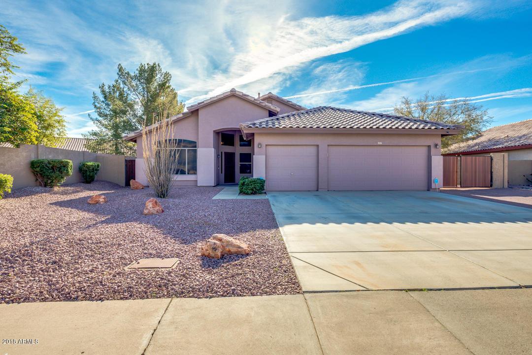 Photo of 6947 W VILLA CHULA Drive, Glendale, AZ 85310