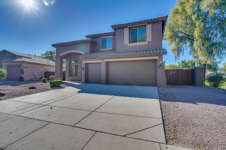 Photo of 3049 E GOLDFINCH Way, Chandler, AZ 85286