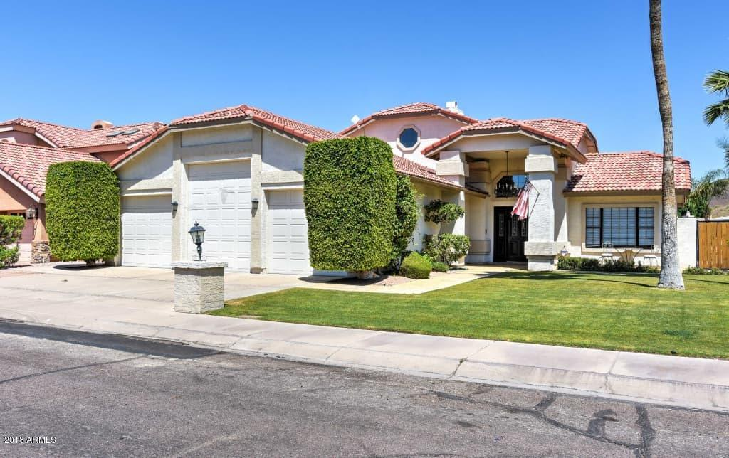 Photo of 5710 W ARROWHEAD LAKES Drive, Glendale, AZ 85308