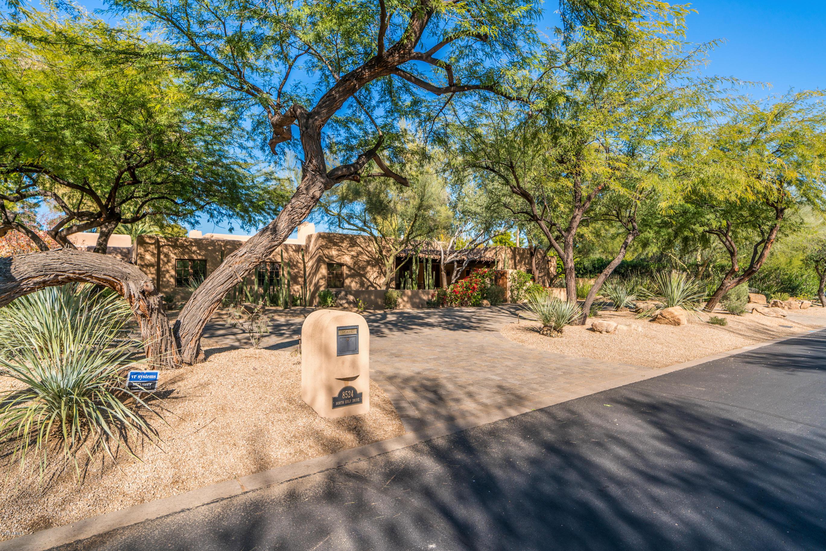 Photo of 8524 N GOLF Drive, Paradise Valley, AZ 85253