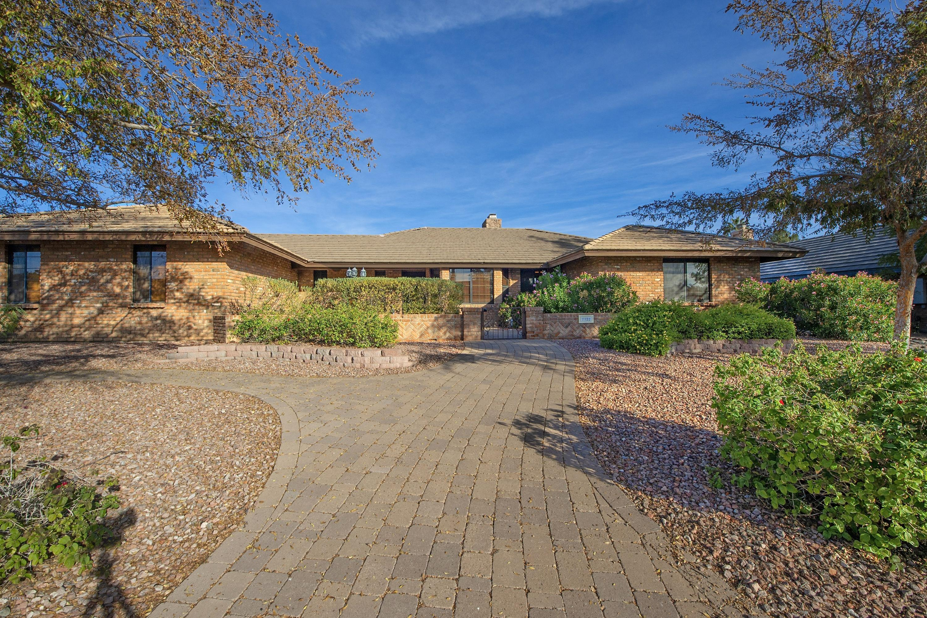 Photo of 7722 W JOHN CABOT Road, Glendale, AZ 85308