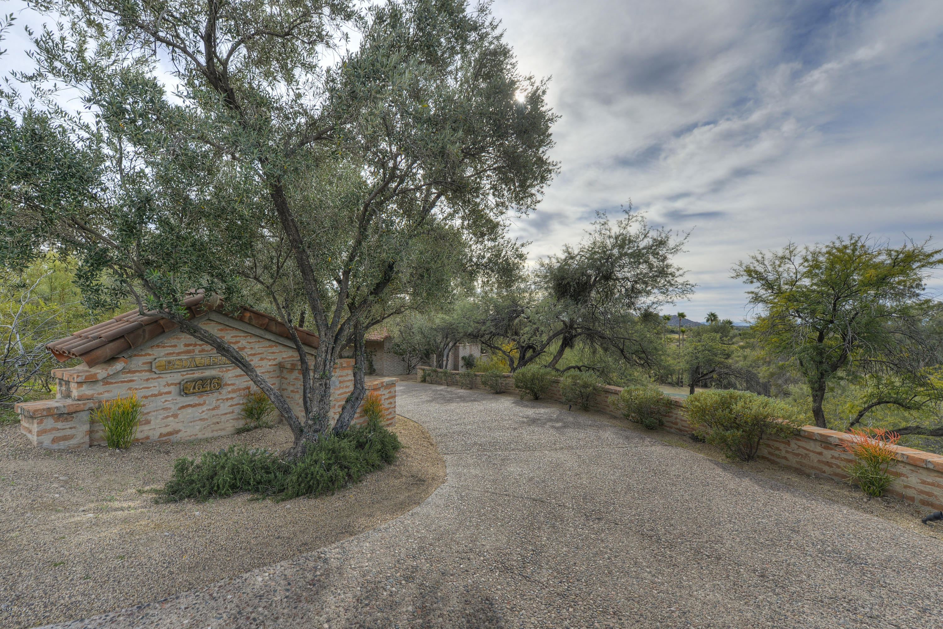 Photo of 7646 E LONG RIFLE Road, Carefree, AZ 85377