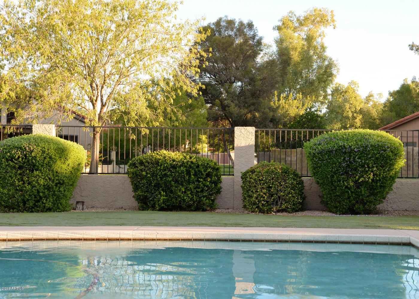 Photo of 520 W Gleneagles Drive, Phoenix, AZ 85023