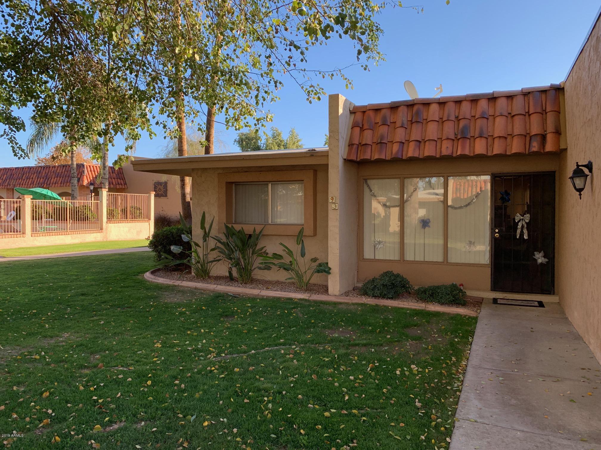 Photo of 1320 E BETHANY HOME Road #93, Phoenix, AZ 85014