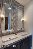035_Guest Suite 1 - Bath