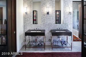050_Guest Suite 4 - Bath Area