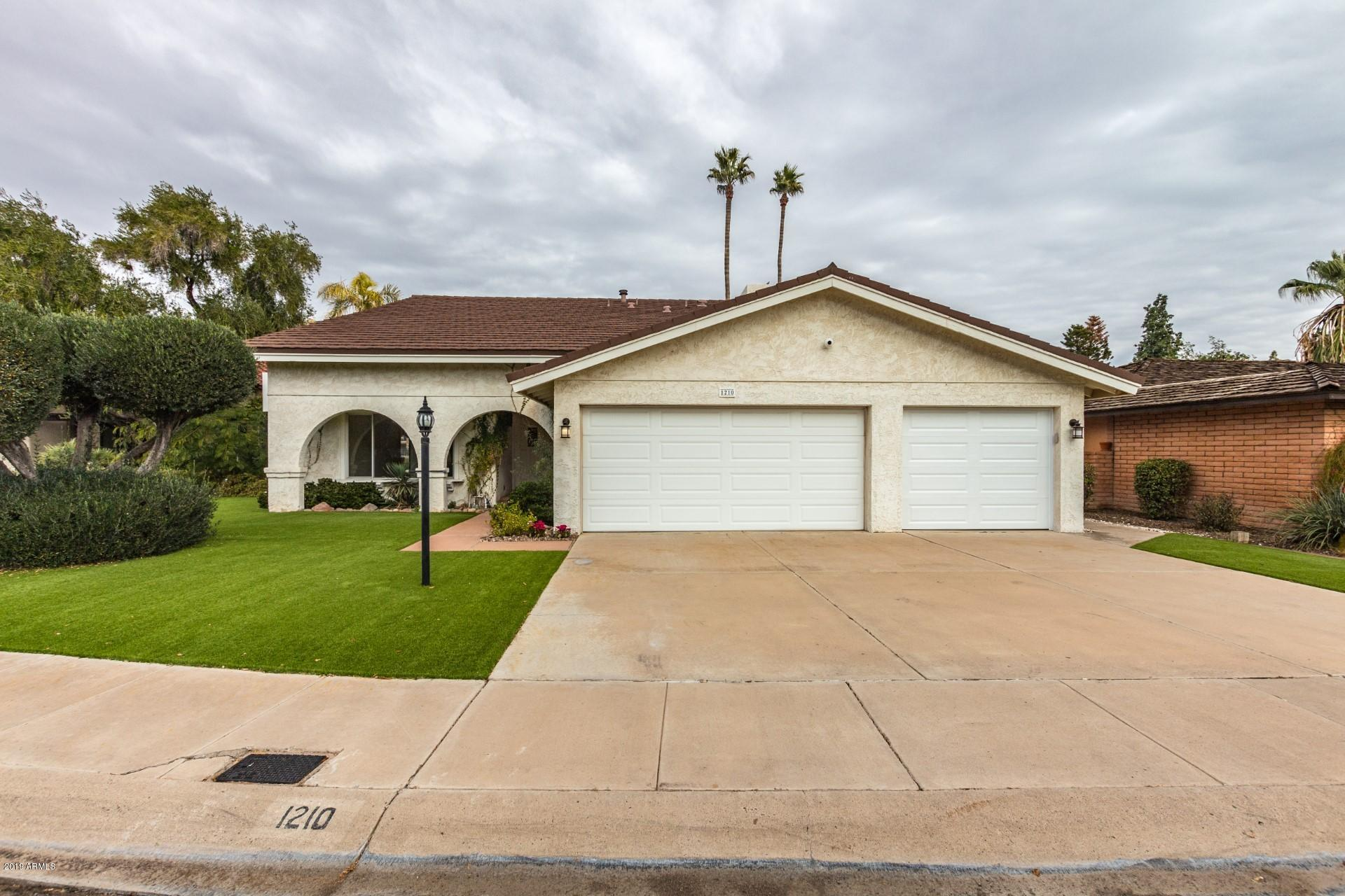 Photo of 1210 E HARBOR VIEW Drive, Tempe, AZ 85283