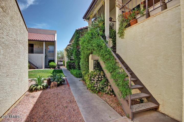 Photo of 1831 W MULBERRY Drive #215, Phoenix, AZ 85015