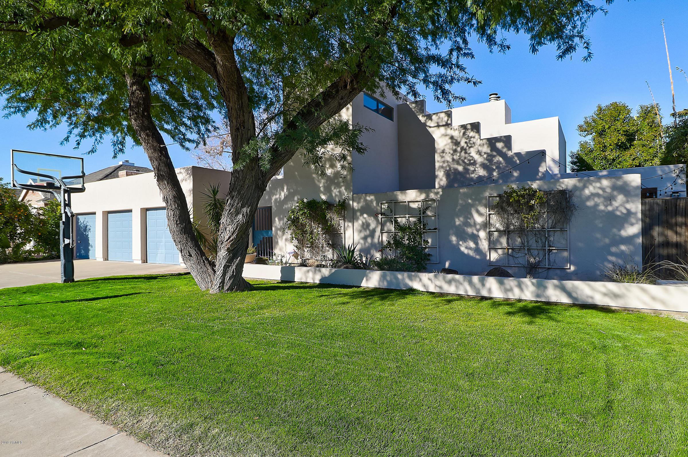 Photo of 512 W EL CAMINITO Drive, Phoenix, AZ 85021