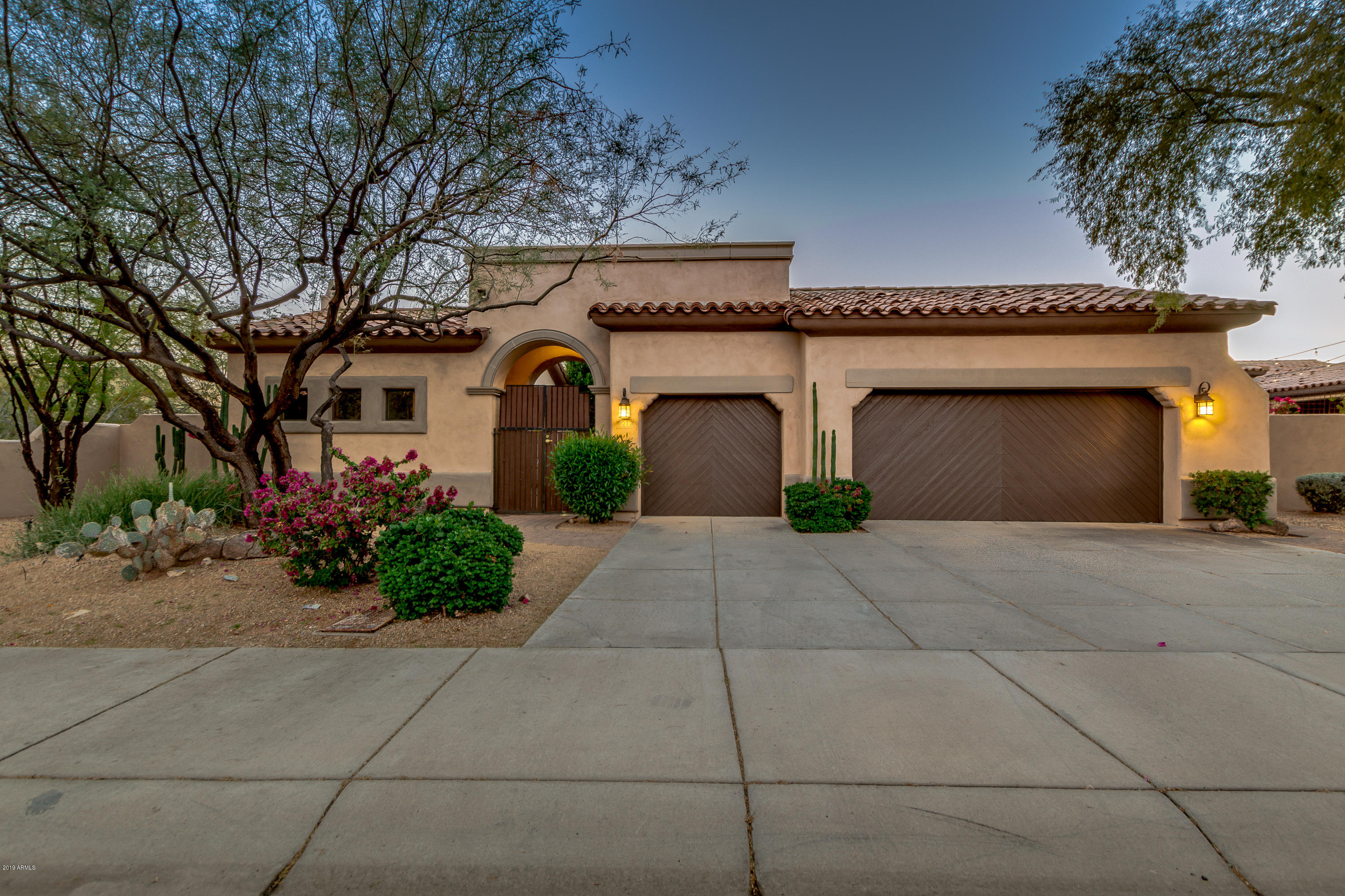 Photo of 8013 E WINGSPAN Way, Scottsdale, AZ 85255