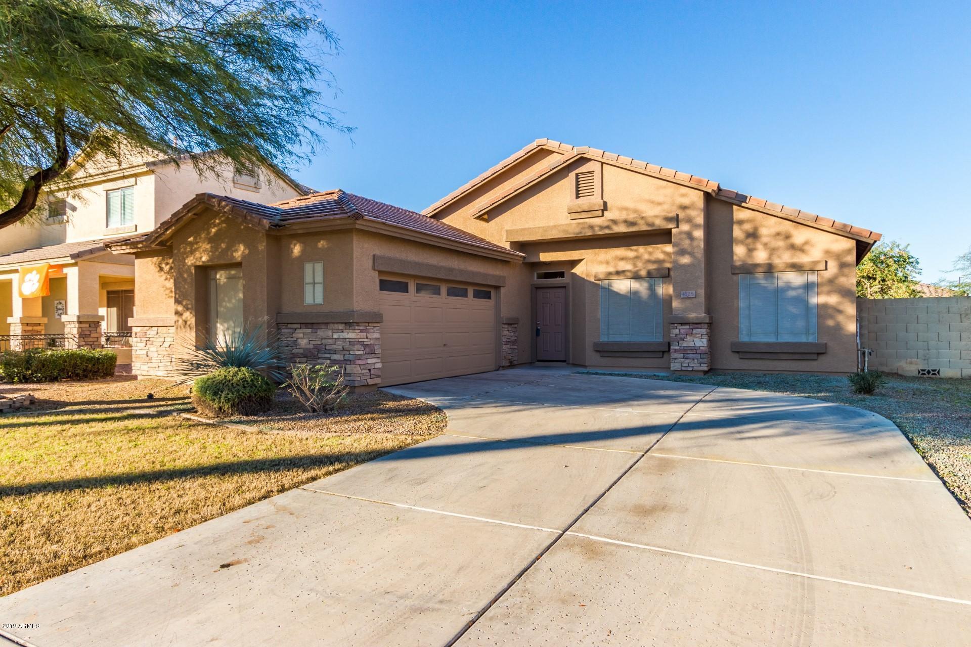 Photo of 4526 S MARBLE Street, Gilbert, AZ 85297