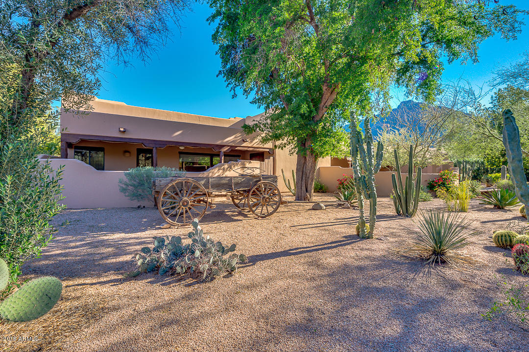 Photo of 6321 N 52ND Place, Paradise Valley, AZ 85253