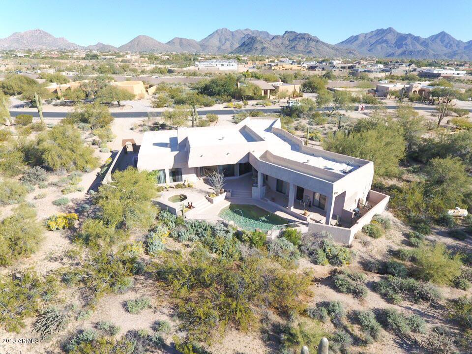 Photo of 22012 N Los Caballos Drive, Scottsdale, AZ 85255